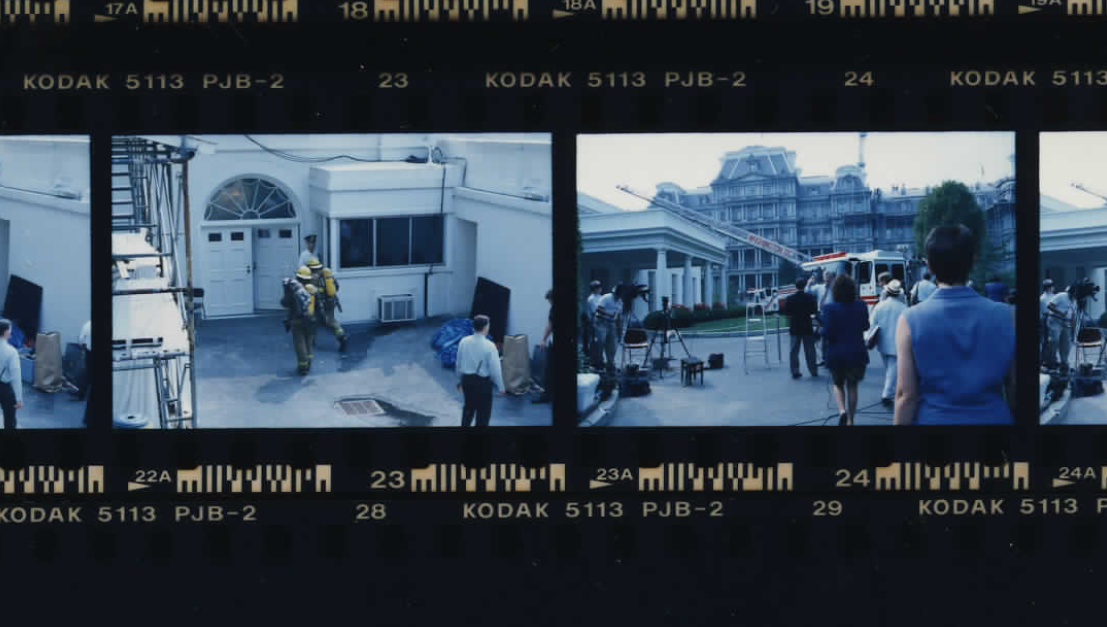 Firefighters entering the West Wing on September 16, 1994 (Photo sheet: P019648)