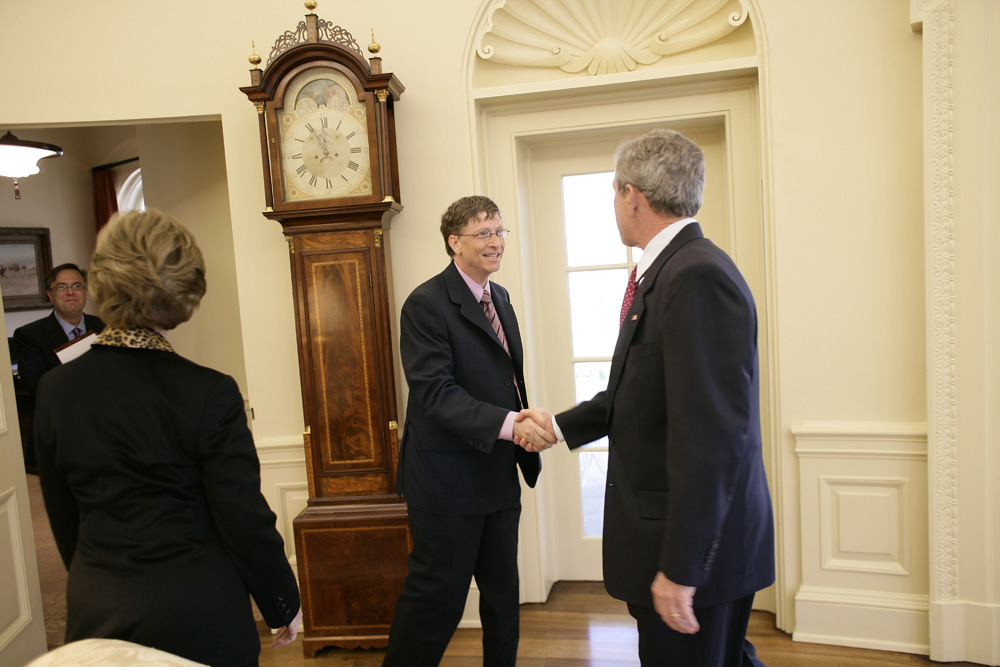 Lunch and Oval Office photo opportunity with Bill Gates and President George W. Bush on March 15, 2006.  M1Hi_j0069 (George W. Bush Presidential Library and Museum)