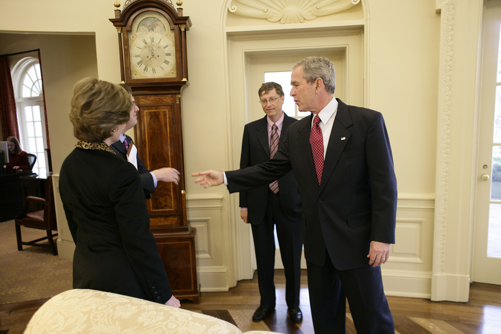 Lunch and Oval Office photo opportunity with Bill Gates and President George W. Bush on March 15, 2006.  M1Hi_j0077 (George W. Bush Presidential Library and Museum)
