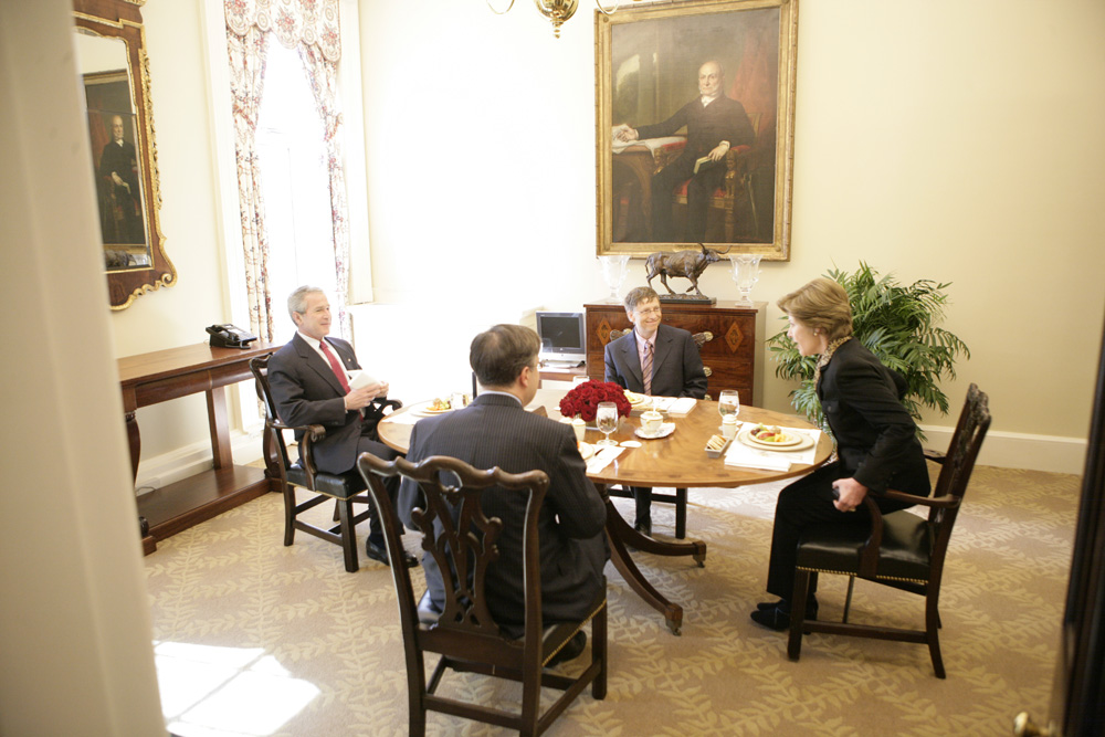 Lunch and Oval Office photo opportunity with Bill Gates and President George W. Bush on March 15, 2006. This event also included Mrs. Laura Bush and Mike Gerson.  M1Hi_j0210 (George W. Bush Presidential Library and Museum)