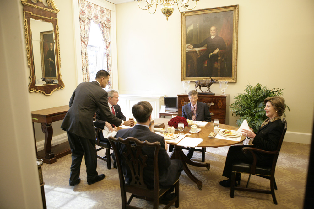 Lunch and Oval Office photo opportunity with Bill Gates and President George W. Bush on March 15, 2006. This event also included Mrs. Laura Bush and Mike Gerson.  M1Hi_j0212 (George W. Bush Presidential Library and Museum)