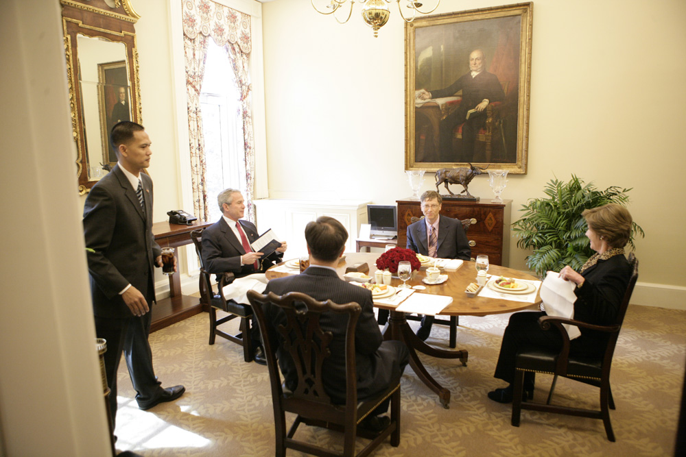 Lunch and Oval Office photo opportunity with Bill Gates and President George W. Bush on March 15, 2006. This event also included Mrs. Laura Bush and Mike Gerson.  M1Hi_j0214 (George W. Bush Presidential Library and Museum)