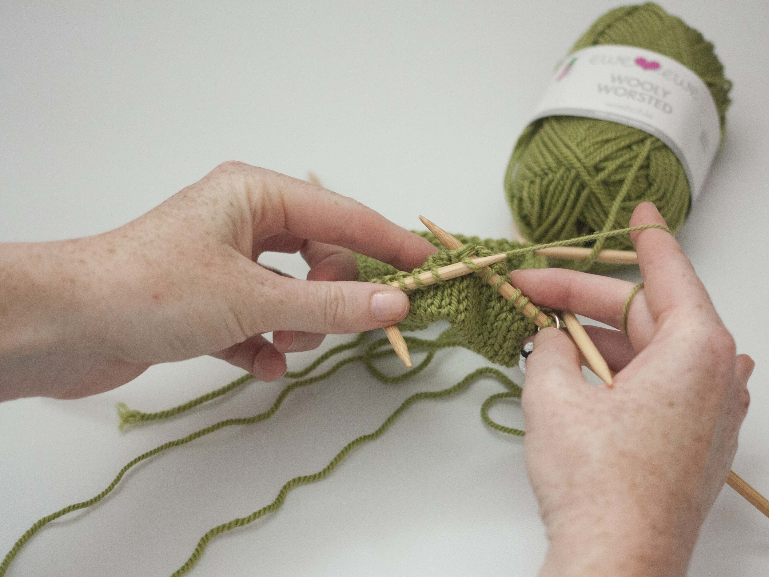 making a knitted hem