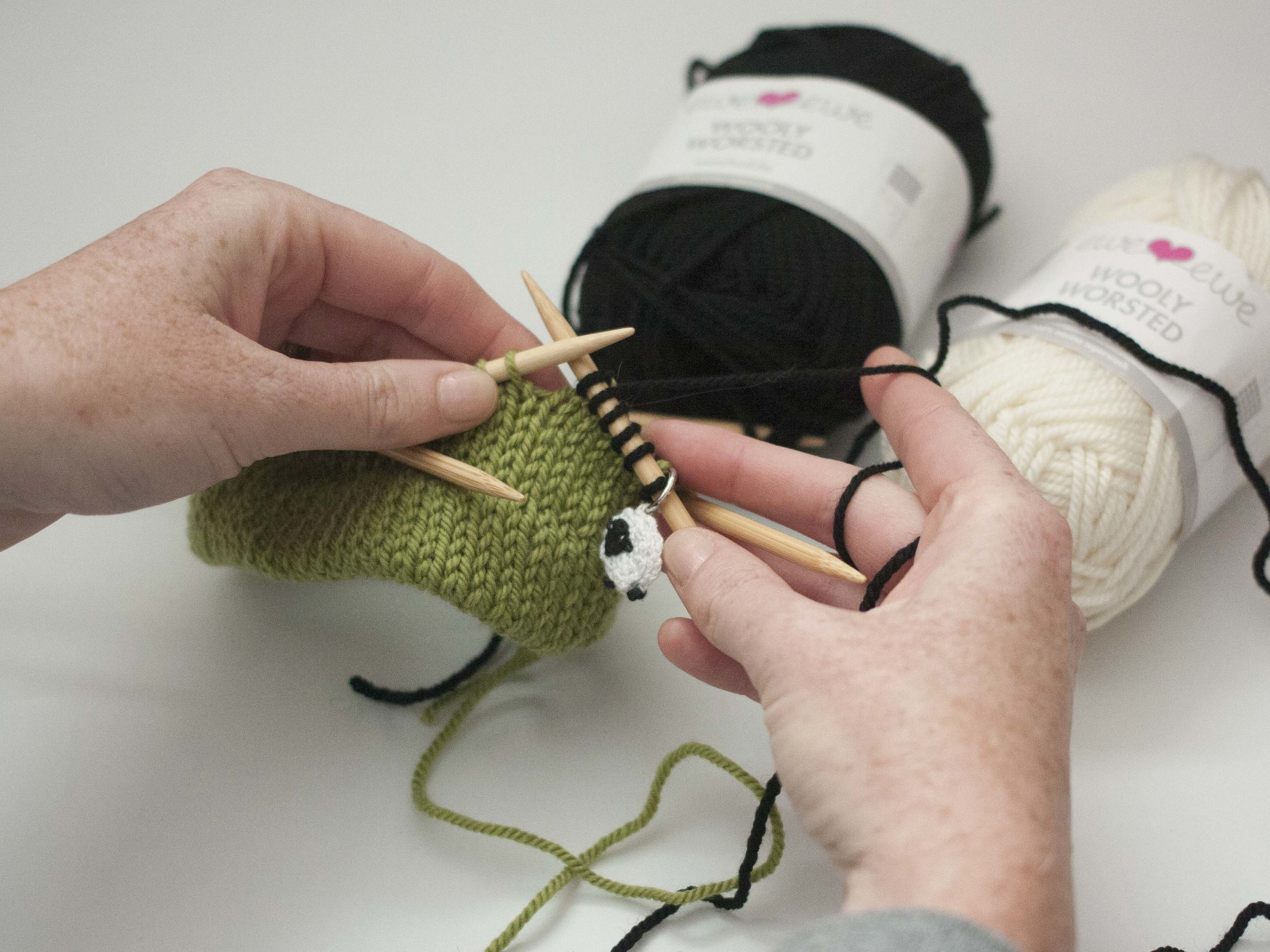 adding stripes in knitting