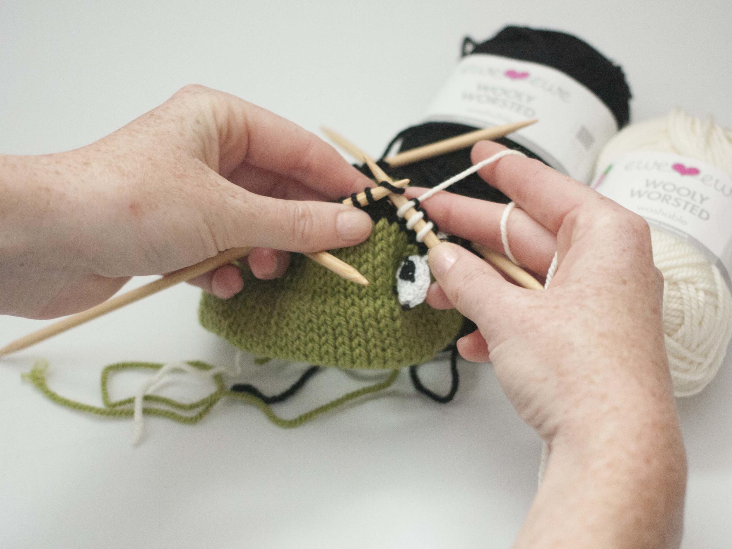 adding stripes to knitting