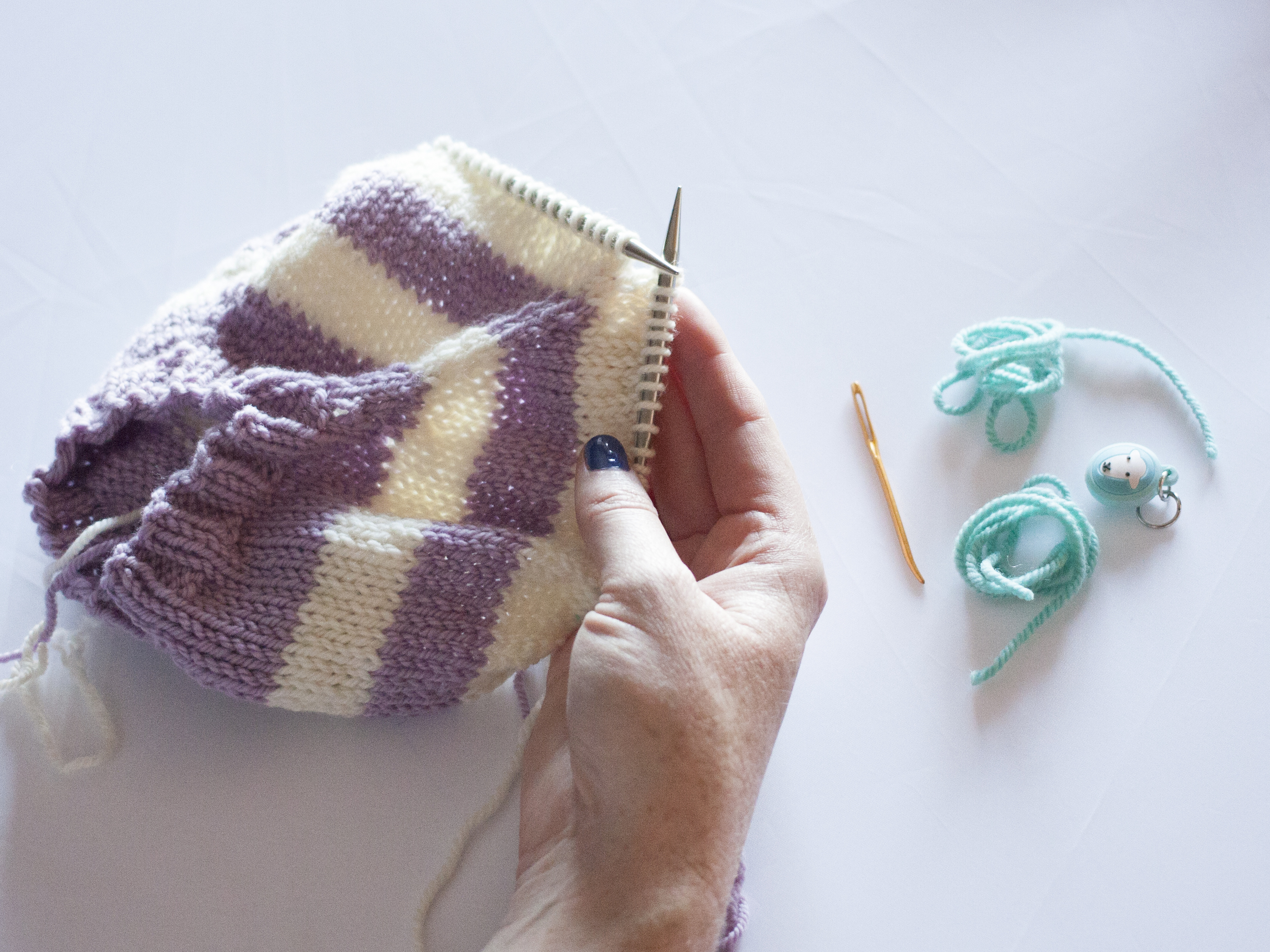 Moving stitches to a stitch holder