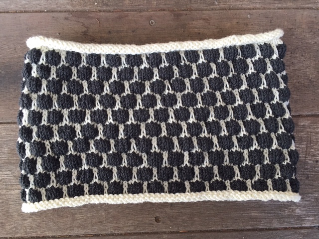 Bubble Wrap Cowl in Ewe So Sporty yarn