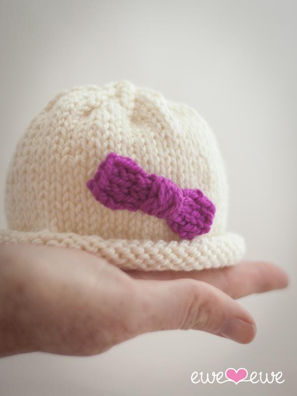 Hello Preemie  free baby hat knitting pattern.