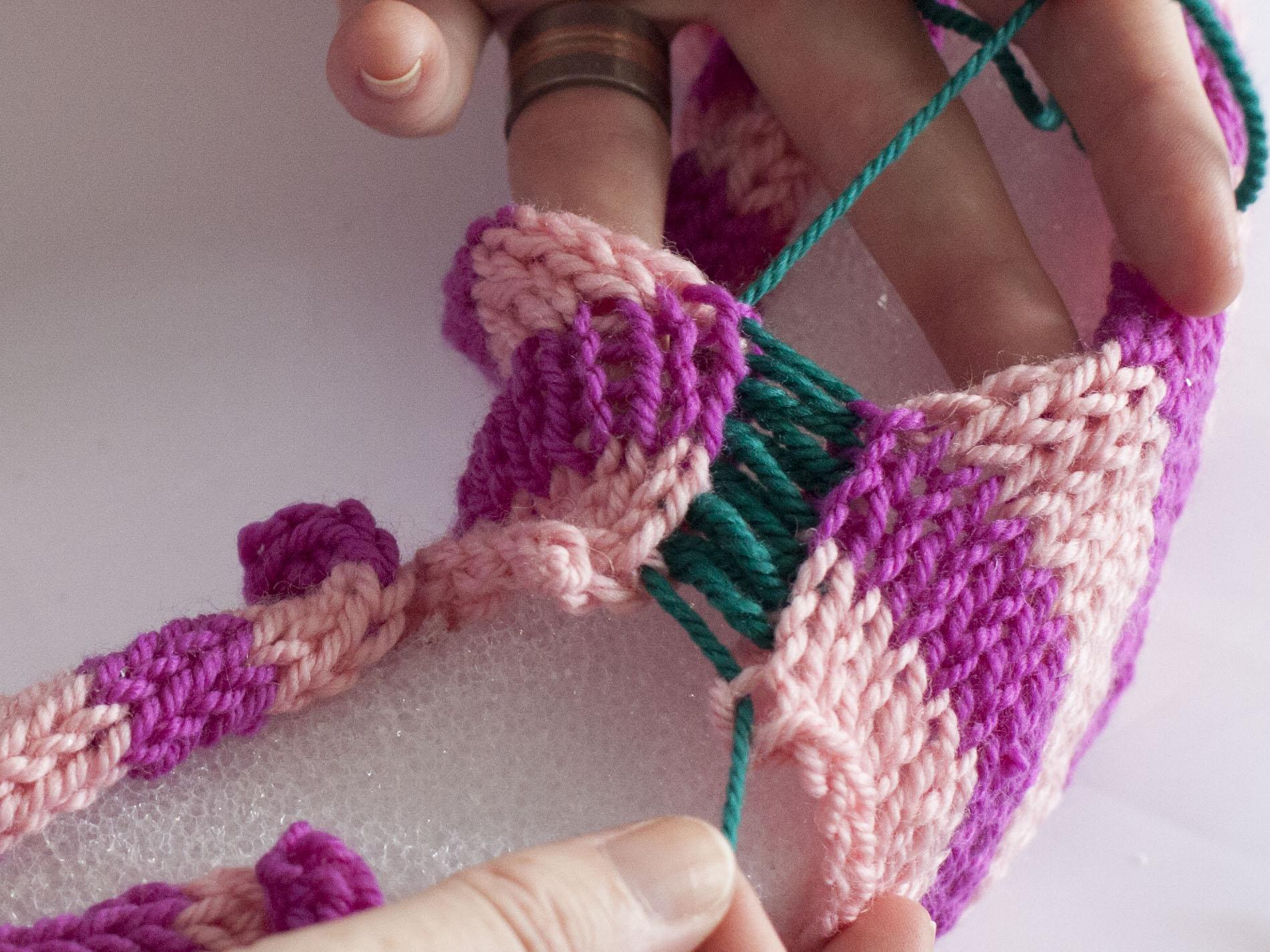 closing a knitted seam
