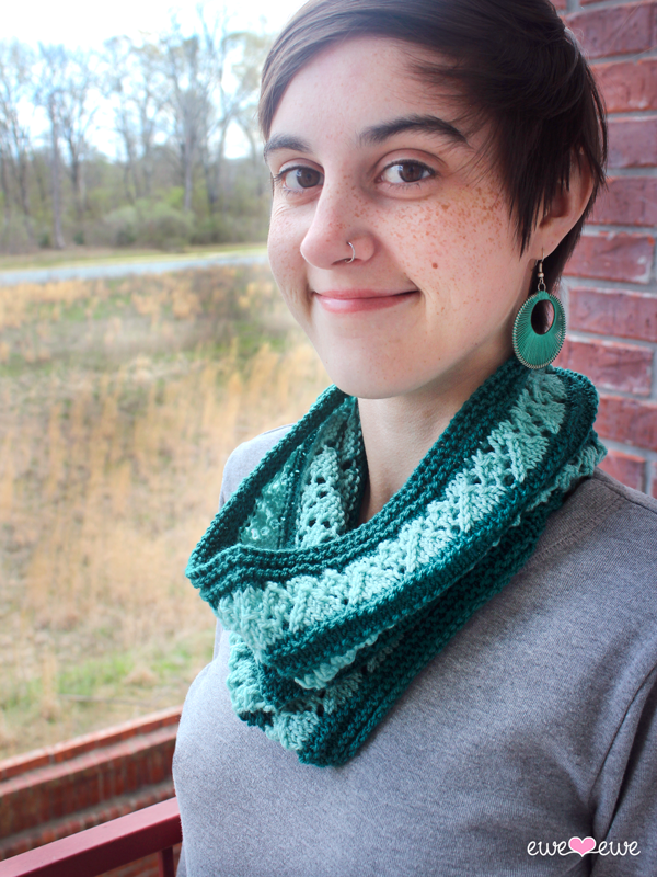 Rush Cowl knitting pattern