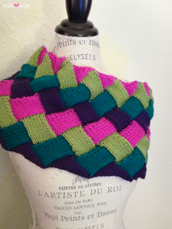 Interlooped Entrelac Cowl knitting pattern using Wooly Worsted merino yarn