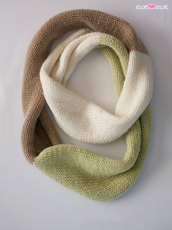 Compatto Cowl easy free knitting pattern