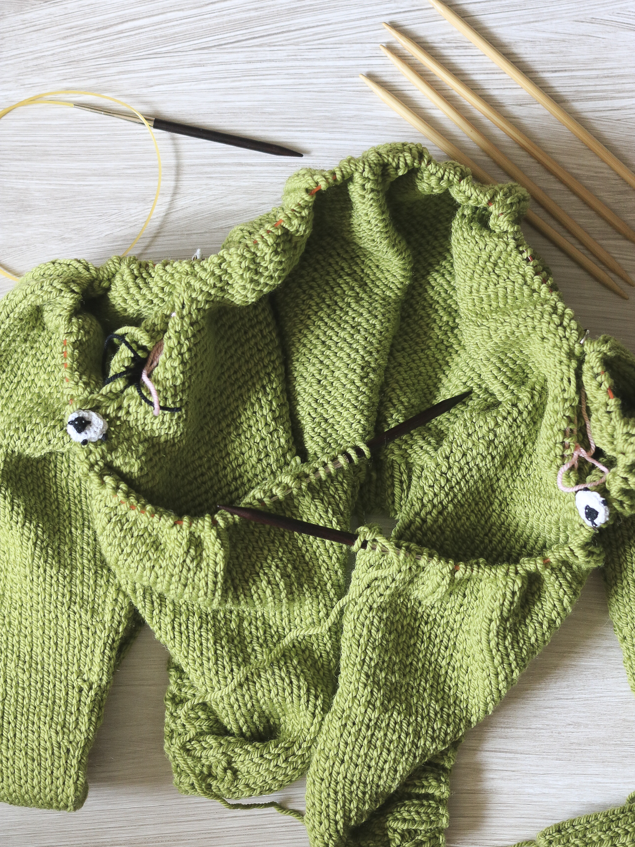 Knitting the Carbeth Cardigan together