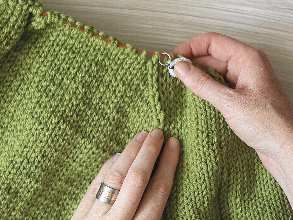Decreases on the Carbeth Cardigan