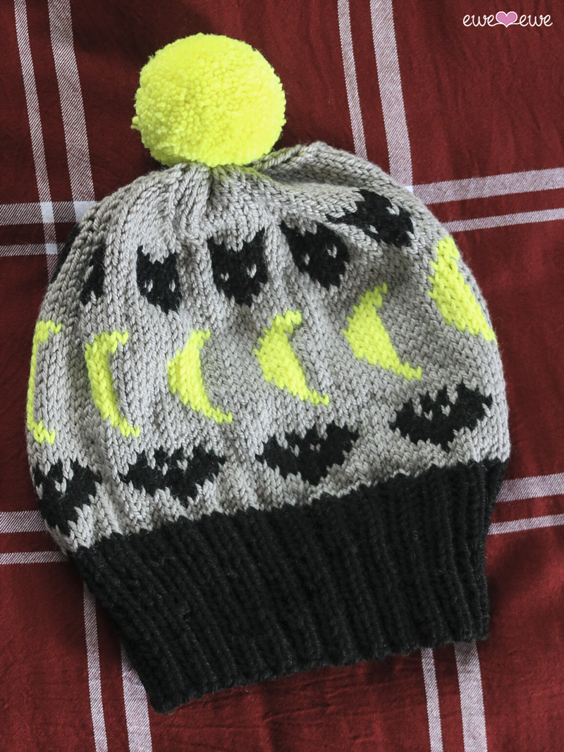 Spooky Nights  hat knitting pattern using Ewe Ewe  Wooly Worsted yarn