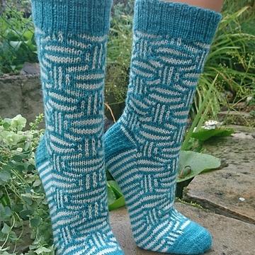 knitinge's Mosaic Marbles socks on Ravelry