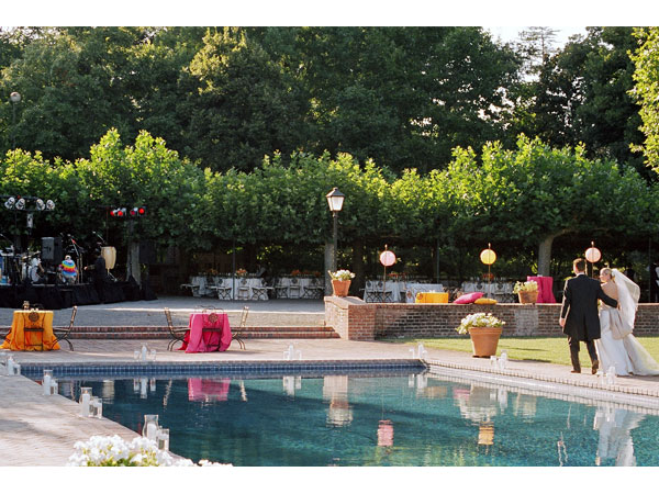sylvie-gil-film-photography-wedding-beaulieu-garden-napa-bride-groom-pool