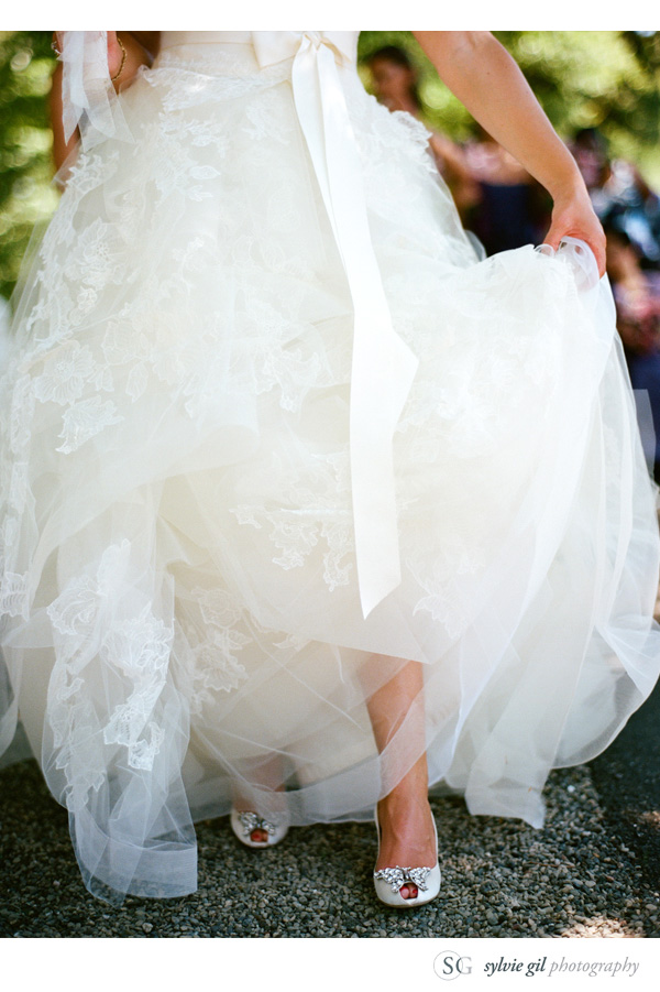 sylvie-gil-film-photography-wedding-style-me-pretty-published-online-annena-beaulieu-garden-paula-leduc-vera-wang-napa-dress