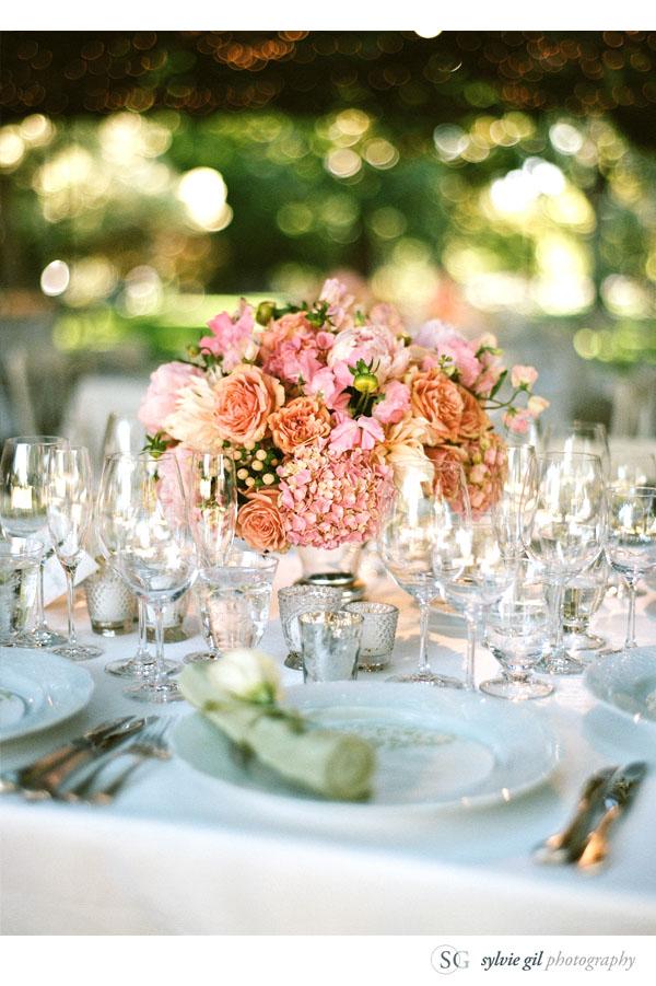 sylvie-gil-film-photography-wedding-style-me-pretty-published-online-annena-beaulieu-garden-paula-leduc-vera-wang-napa-flowers-centerpiece