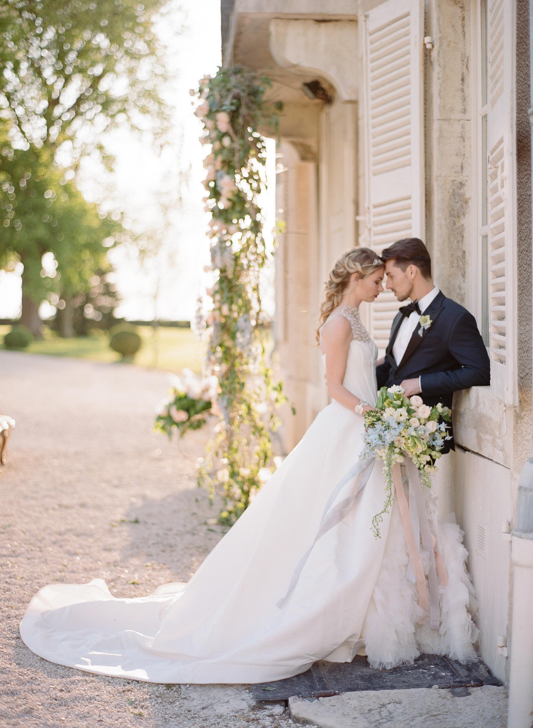 Sylvie-Gil-film-destination-wedding-photography-2017-workshop-chateau-de-varennes-masquerade-burgundy-france-bride-groom-sunset