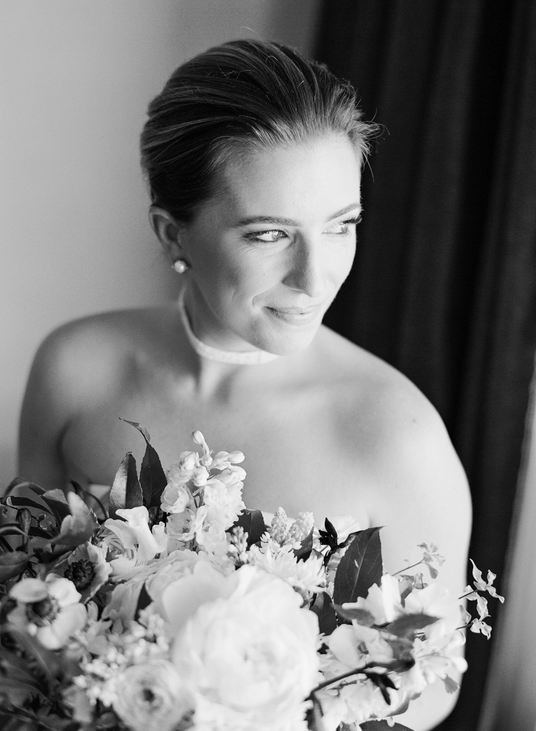 Portrait of the bride on her wedding day; Sylvie Gil Photography