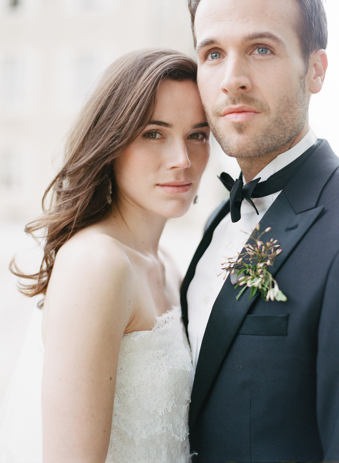A couple portrait after a wedding in Burgundy, France; Sylvie Gil Photography