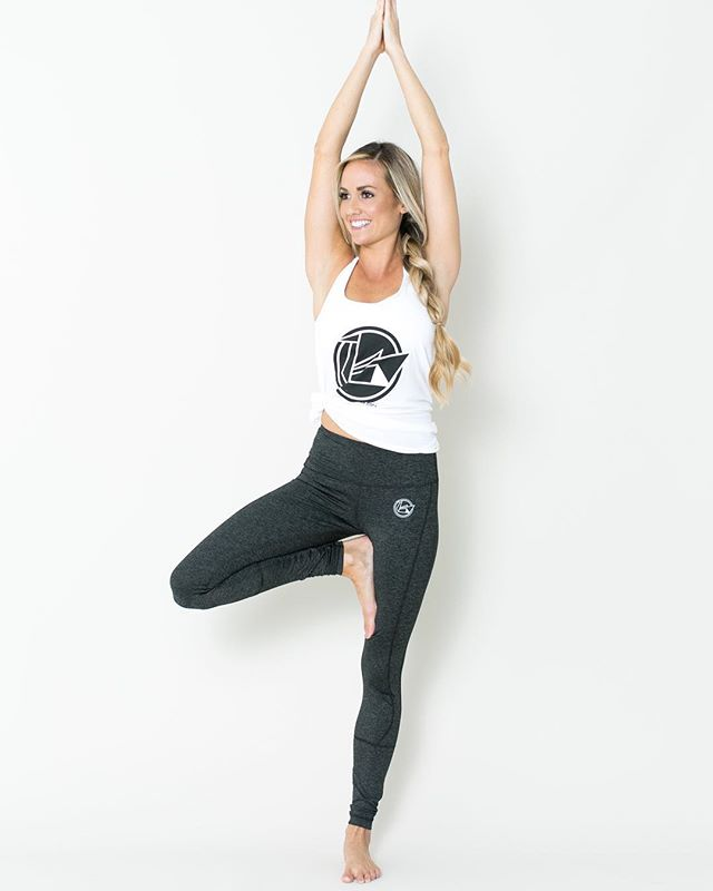 Our product shoot for @blackswanyoga 's new apparel line just went live on their website! They went with a very natural and simple feel to showcase the clothes and the flow of yoga! This was such a fun project to be a part of 🙏🏼 and seriously cool clothes so go check them out! . . . #austinphotographer #austinphotography #atxphotographer #atxphotography #austinproductphotographer #atxproductphotography #blackswanyoga #fashionphotographer #austinfashionphotographer #yogaapparel #yogalife #yogisofinstagram #austinyoga #austinyogis #studiophotography #austinstudios #businessphotography #austinlife #onnit #getonnit #cleanphotography