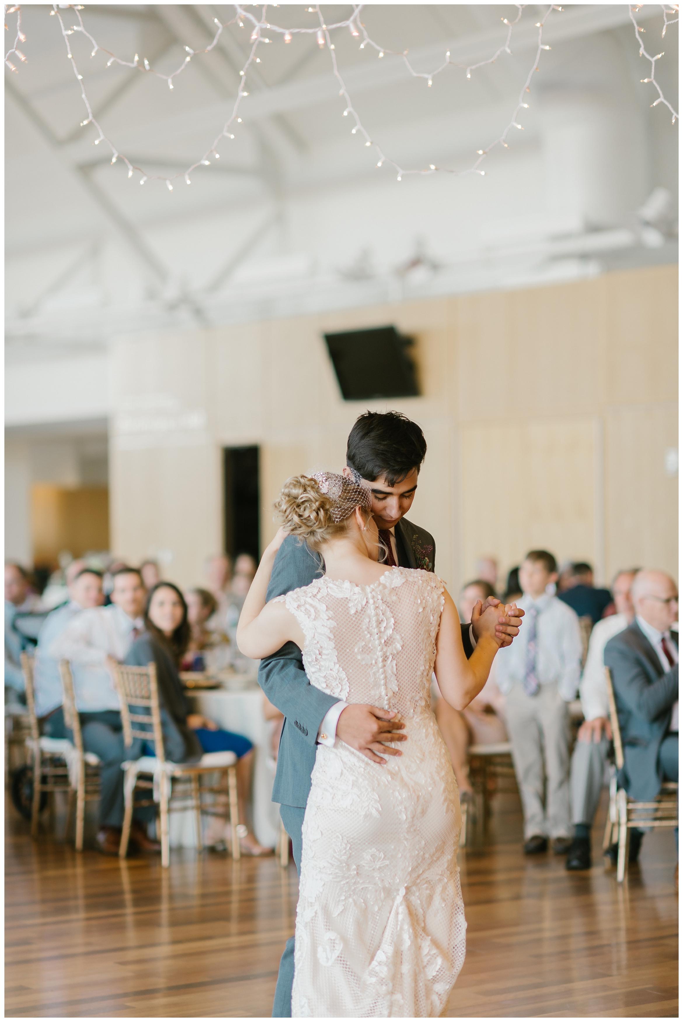 Rebecca_Shehorn_Photography_Indianapolis_Wedding_Photographer_7370.jpg