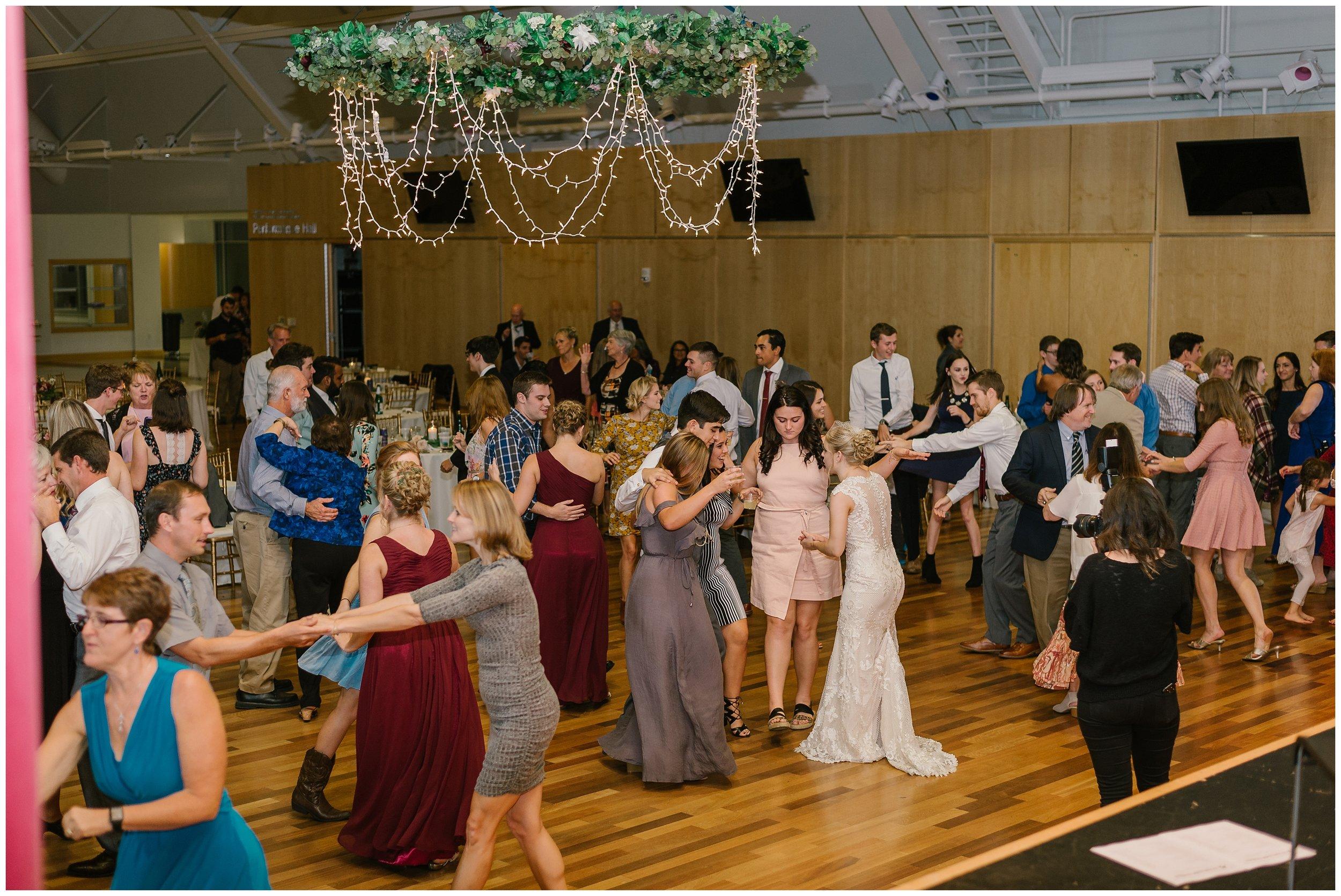 Rebecca_Shehorn_Photography_Indianapolis_Wedding_Photographer_7386.jpg
