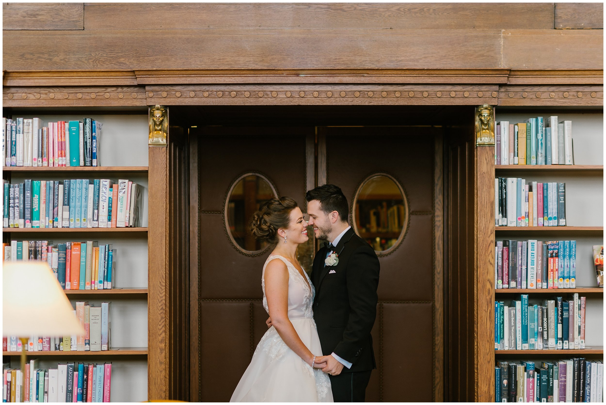 Rebecca_Shehorn_Photography_Indianapolis_Wedding_Photographer_7728.jpg