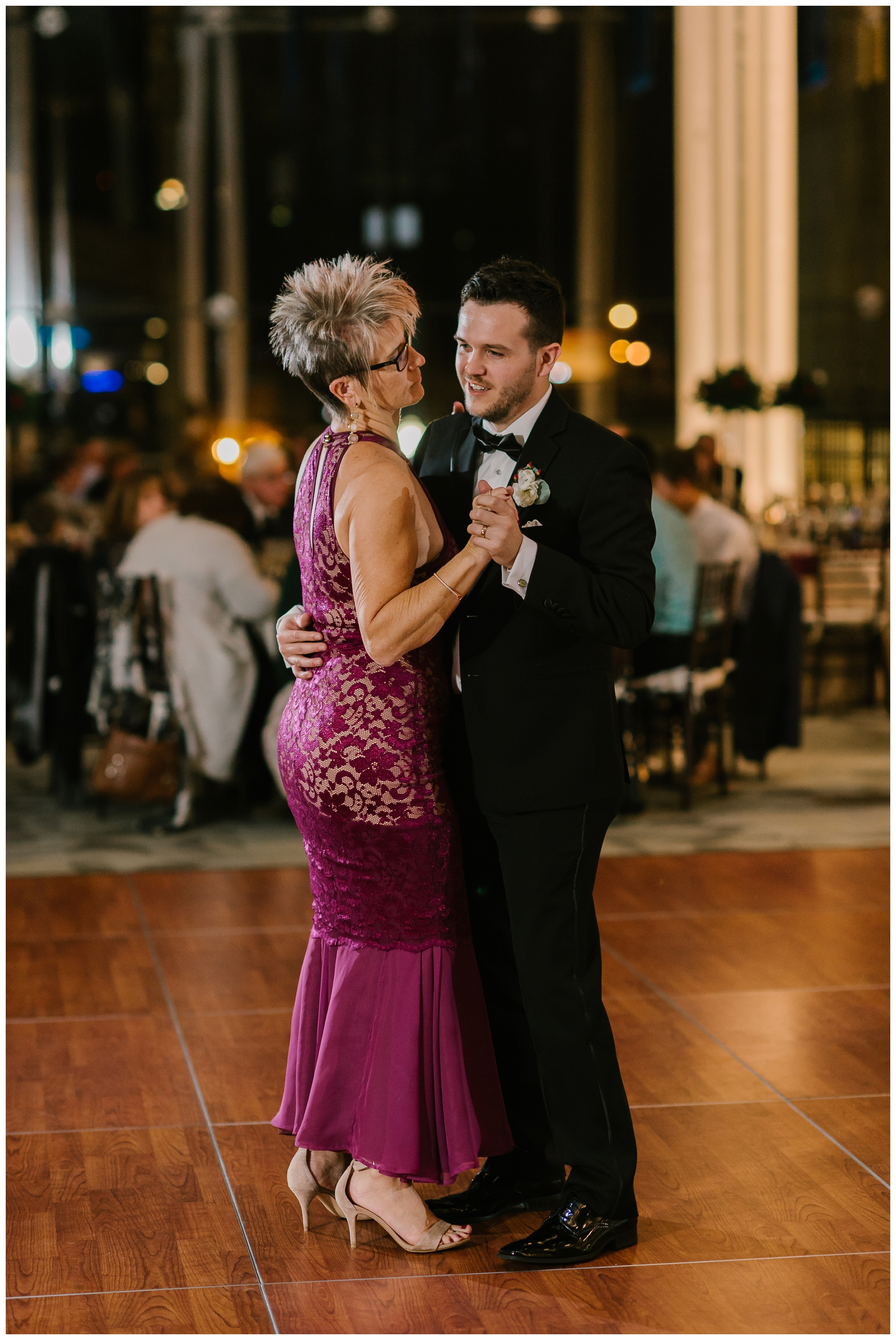Rebecca_Shehorn_Photography_Indianapolis_Wedding_Photographer_7787.jpg