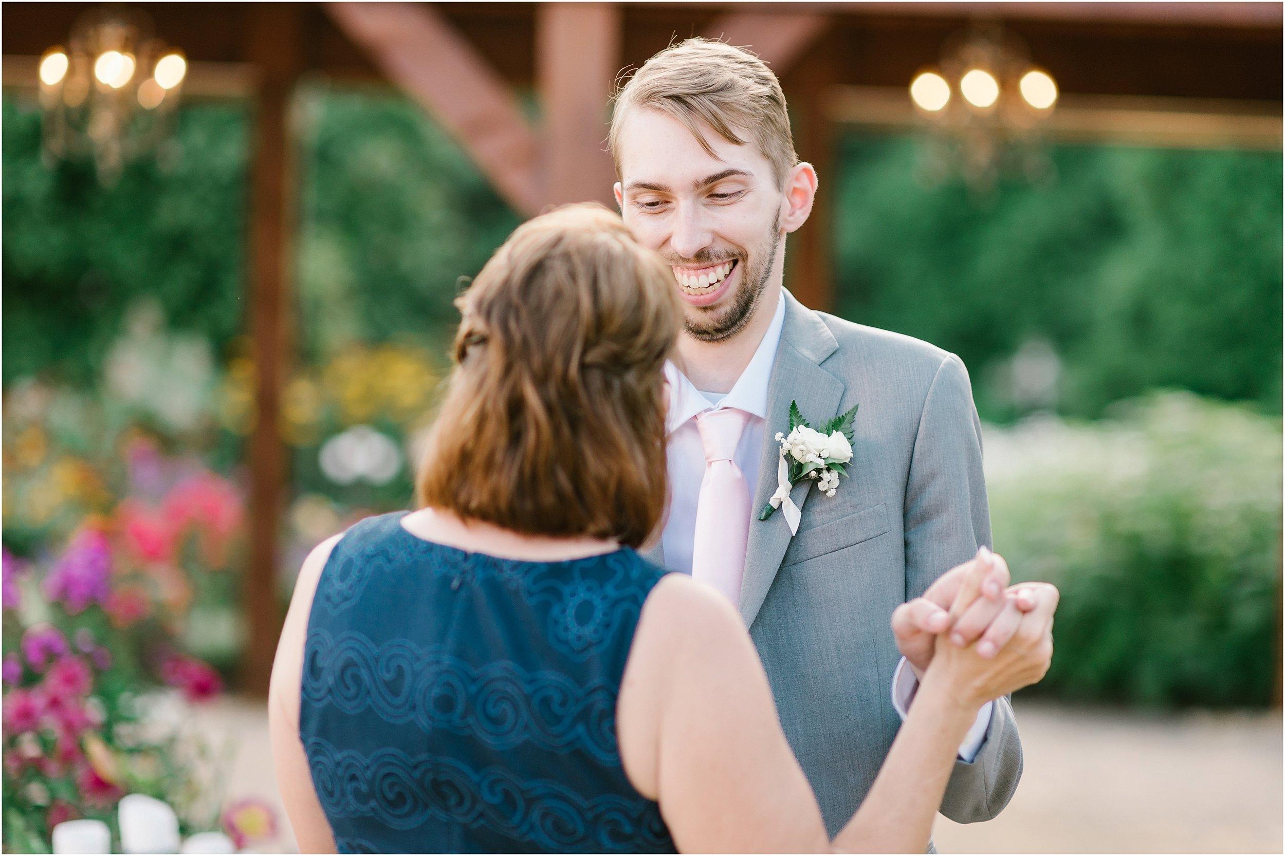 Rebecca_Shehorn_Photography_Indianapolis_Wedding_Photographer_8519.jpg