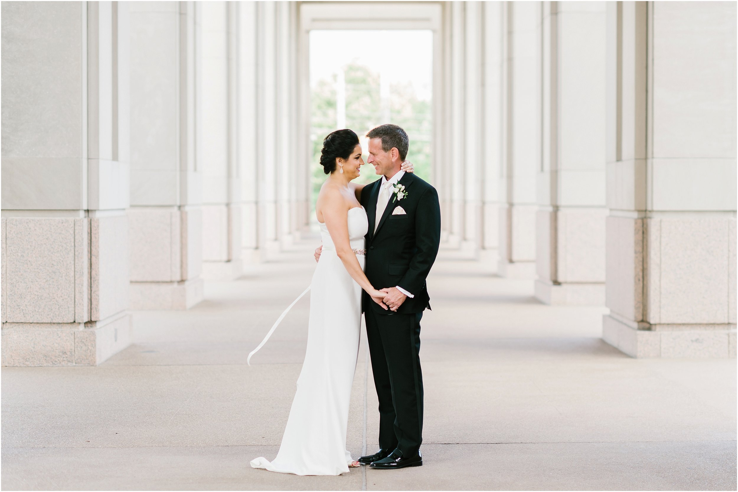 Rebecca_Shehorn_Photography_Indianapolis_Wedding_Photographer_8550.jpg
