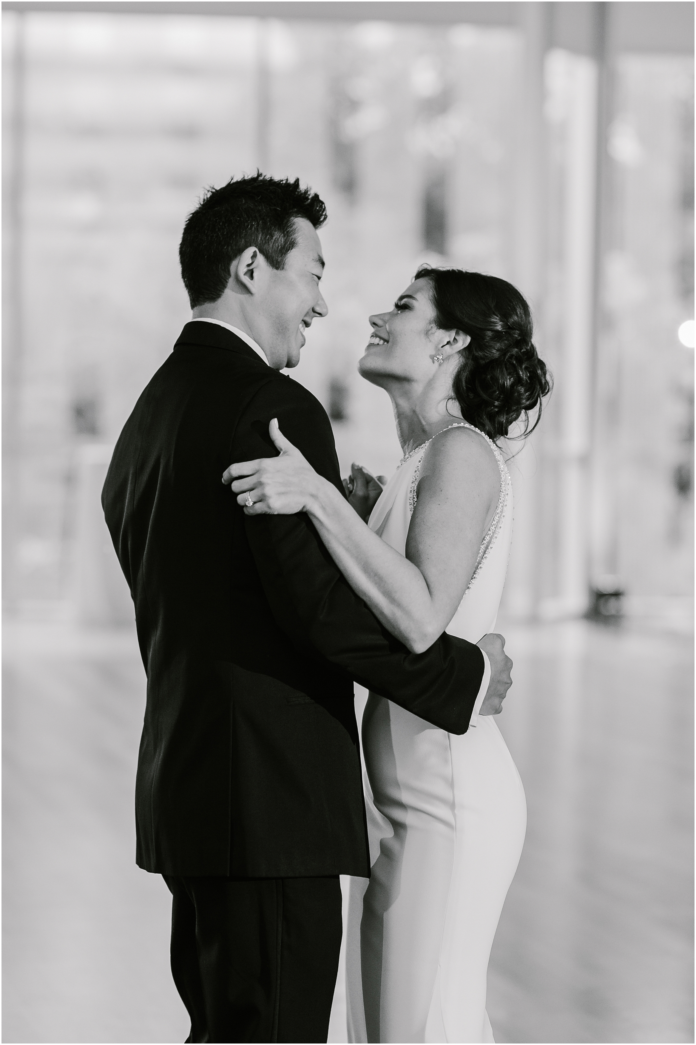 Rebecca_Shehorn_Photography_Indianapolis Wedding Photographer Sycamore at Mallow Run Wedding_9765.jpg