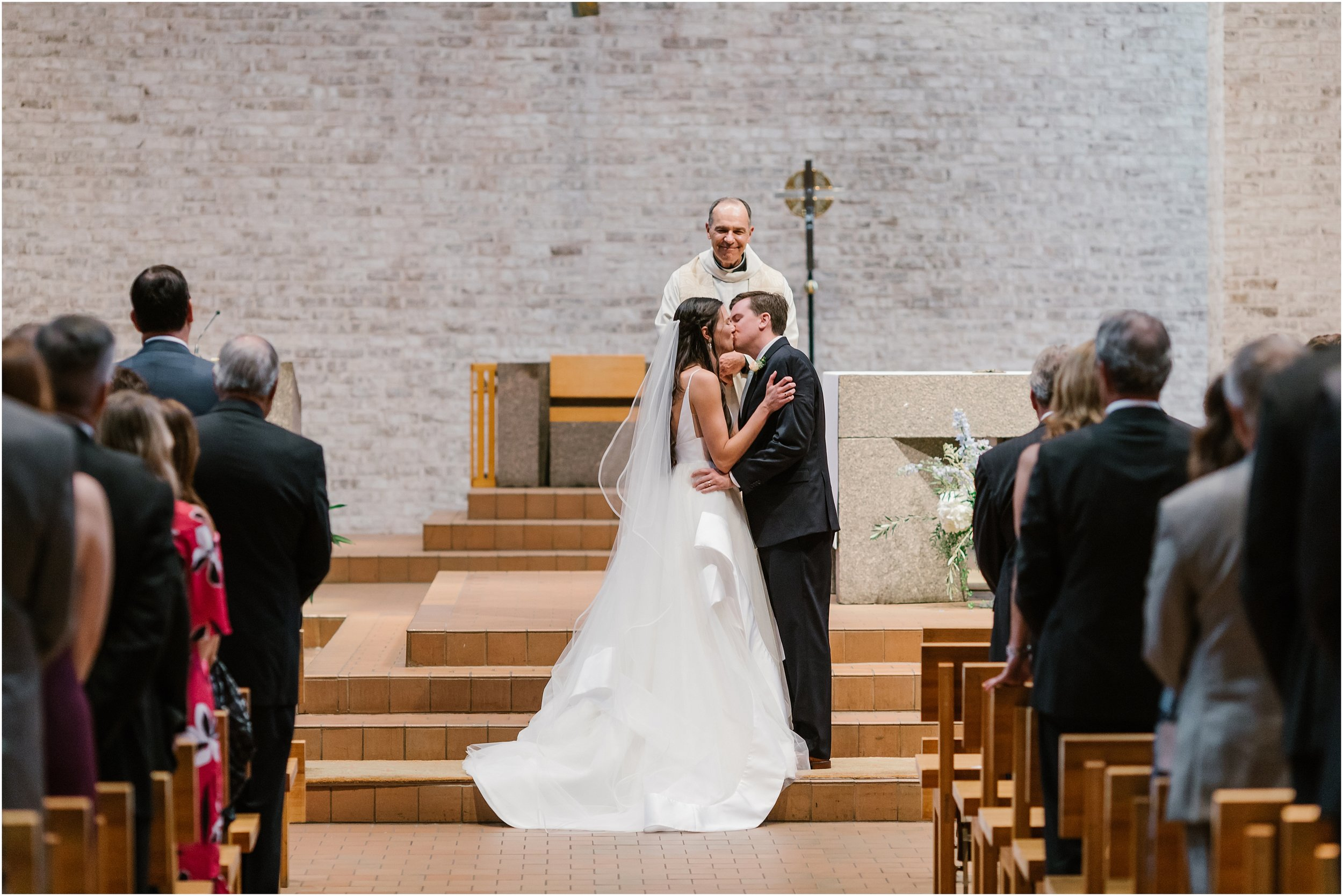 Rebecca Shehorn Photography Indianapolis Wedding Photographer Woodland Country Club Wedding_0186.jpg