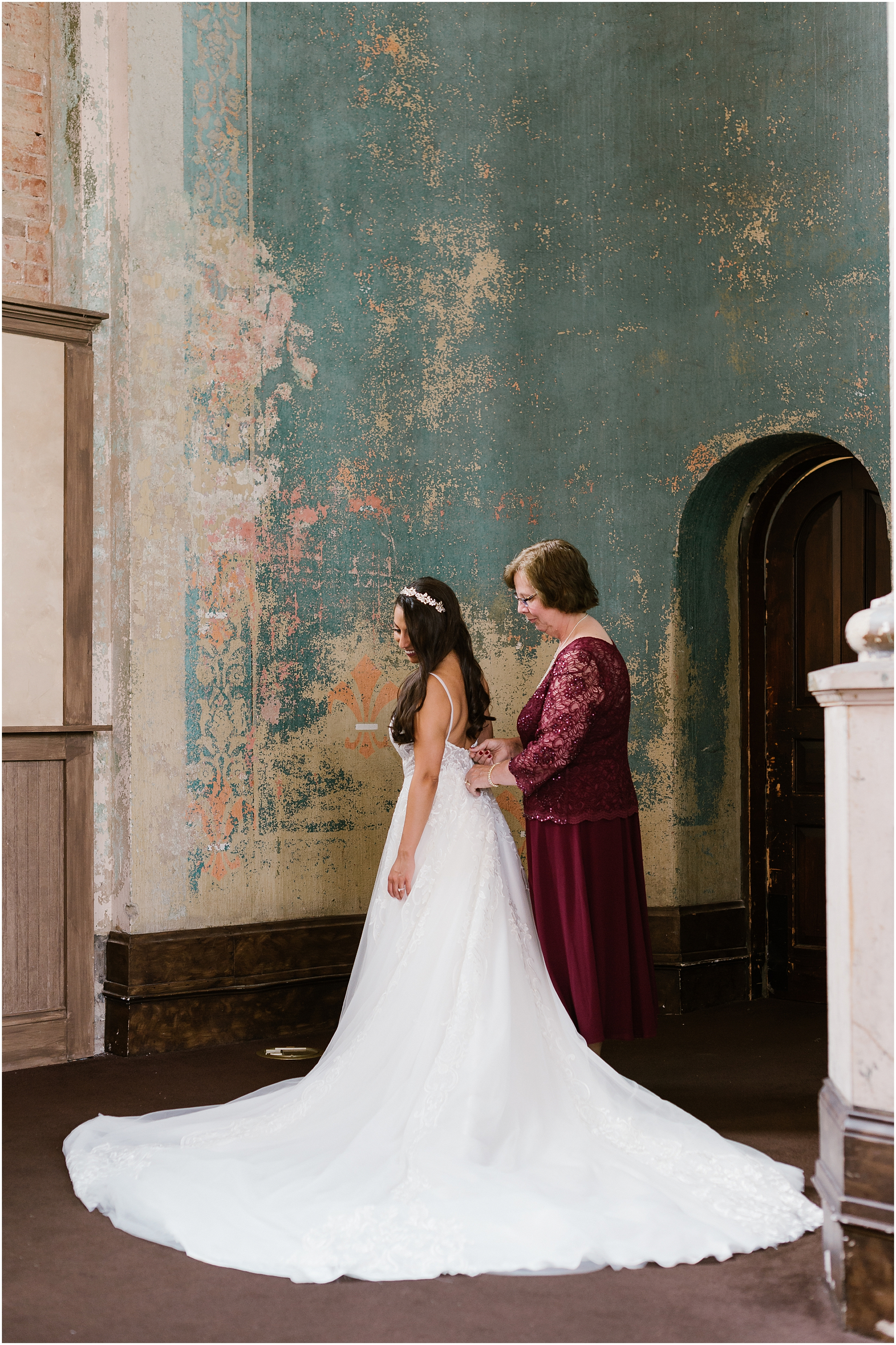Rebecca Shehorn Photography Indianapolis Wedding Photographer Monastery Cincinnati Wedding_0424.jpg