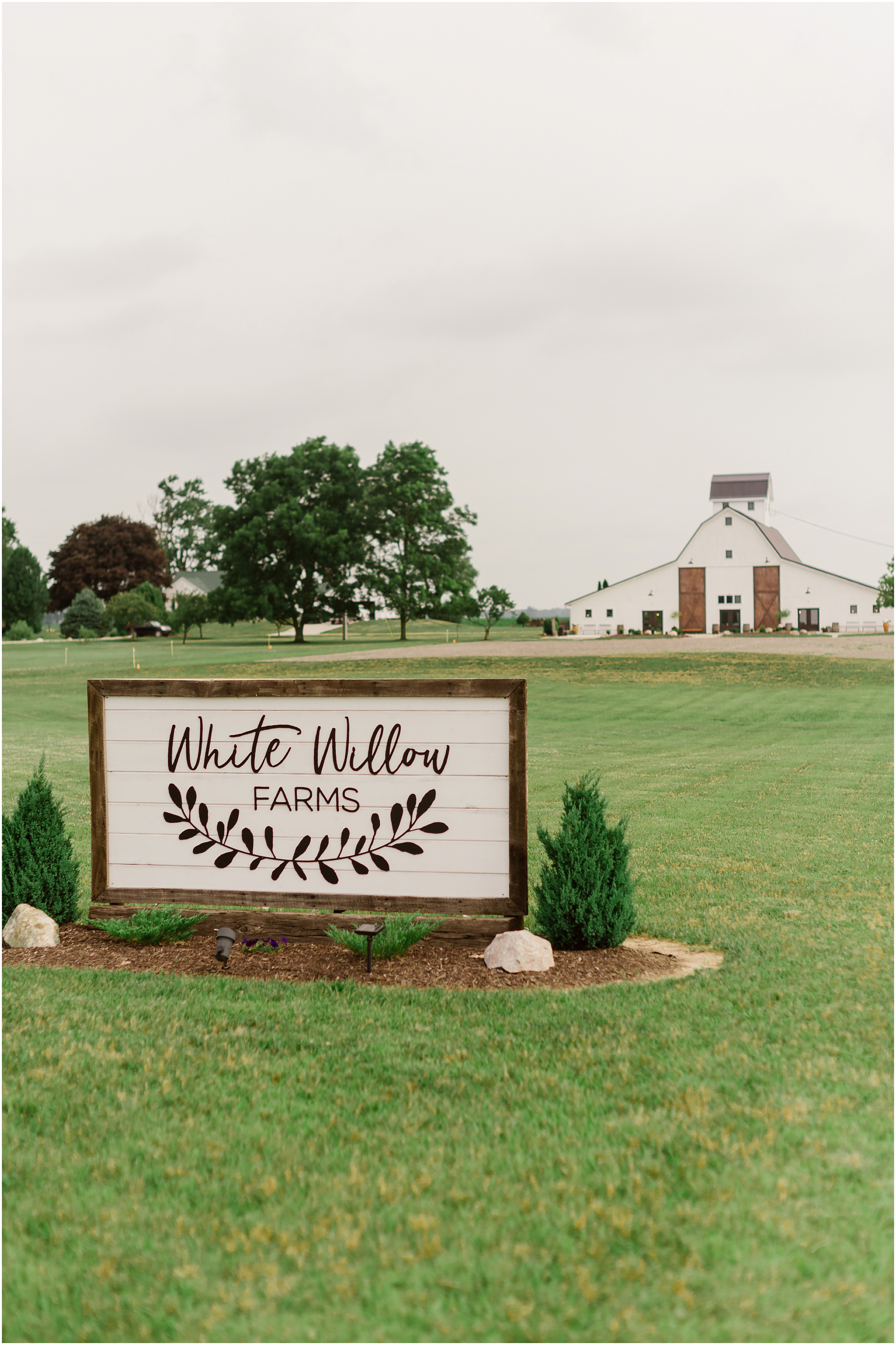 Rebecca Shehorn Photography Indianapolis Wedding Photographer White Willows Farms_0508.jpg