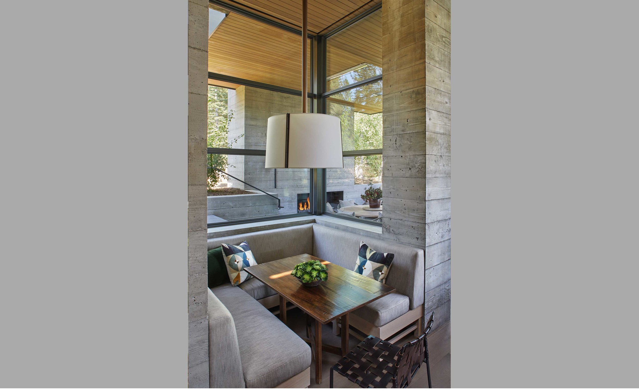 Contractor: Crestwood Construction Interiors: Denise Kuriger Design, Walton Architecture + Engineering Photography: Sam Frost Photography Square Footage: 8,473 sf bedrooms: 6 bathrooms: 6.5