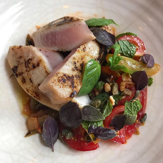 We're craving Swordfish with Runner Beans, Tomato Salad and Thai Basil! Our new Late Summer Menu is now in effect. 👍🏼❤️ .  #chef #chefs #cheflife #zakarypelaccio  #hudson #hudsonnewyork #hudsonny #hudsonvalley #upstate#upstatenewyork#upstateny#nycrestaurants#huffposttaste #eaterny#grubstreet#seriouseats#yelpeatsnyc#buzzfeast #foursquarefind#tastingtable #newforkcity#timeoutnewyork #zagatny #swordfish #tomatoes #howisummer