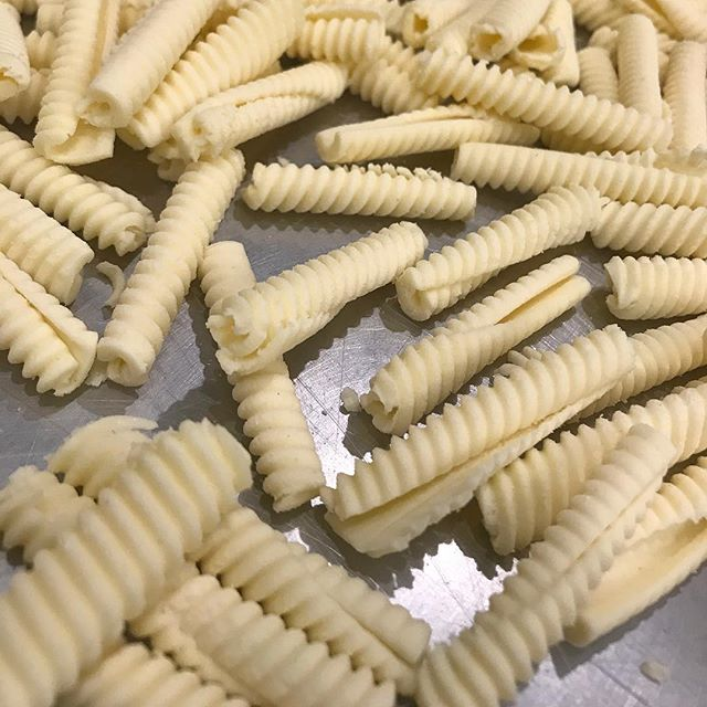 Gluten Free? ❤️ We have a new housemade gluten-free pasta alternative made with @marcelliformaggio gluten free pasta flour mix. Pictured here: Our GF Cavatelli. You are welcome to swap out any of our traditional pasta with our house-made Gluten Free Cavatelli anytime. (Even for for Primi Piatti Pasta Night Wednesday's!) #glutenfreepasta . . #glutenfree #glutenfreeliving #fishgamehudson #cavatelli #housemade #chefmade #hudson #hudsonny #hudsonnewyork #hudsonvalley #upstate #upstatenewyork #upstateny #nycrestaurants #huffposttaste #eaterny #grubstreet #seriouseats #yelpeatsnyc #buzzfeast #foursquarefind #tastingtable #newforkcity #timeoutnewyork #pasta #droppastanotbombs @droppastanotbombs #glutenfreepasta #glutenfreerestaurants