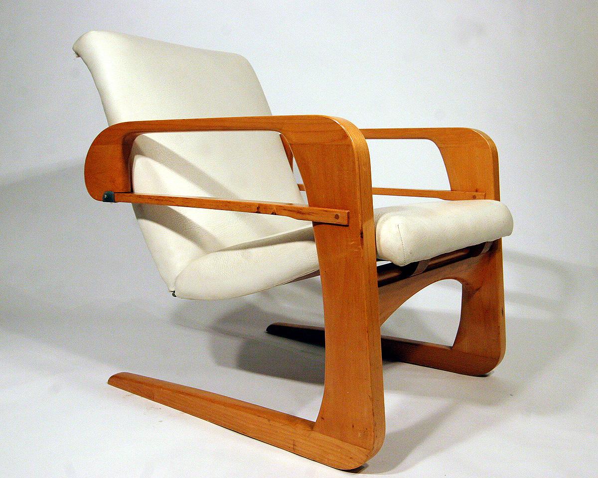 Fine example of Kem Weber's Airline Chair, via I Antique Online.
