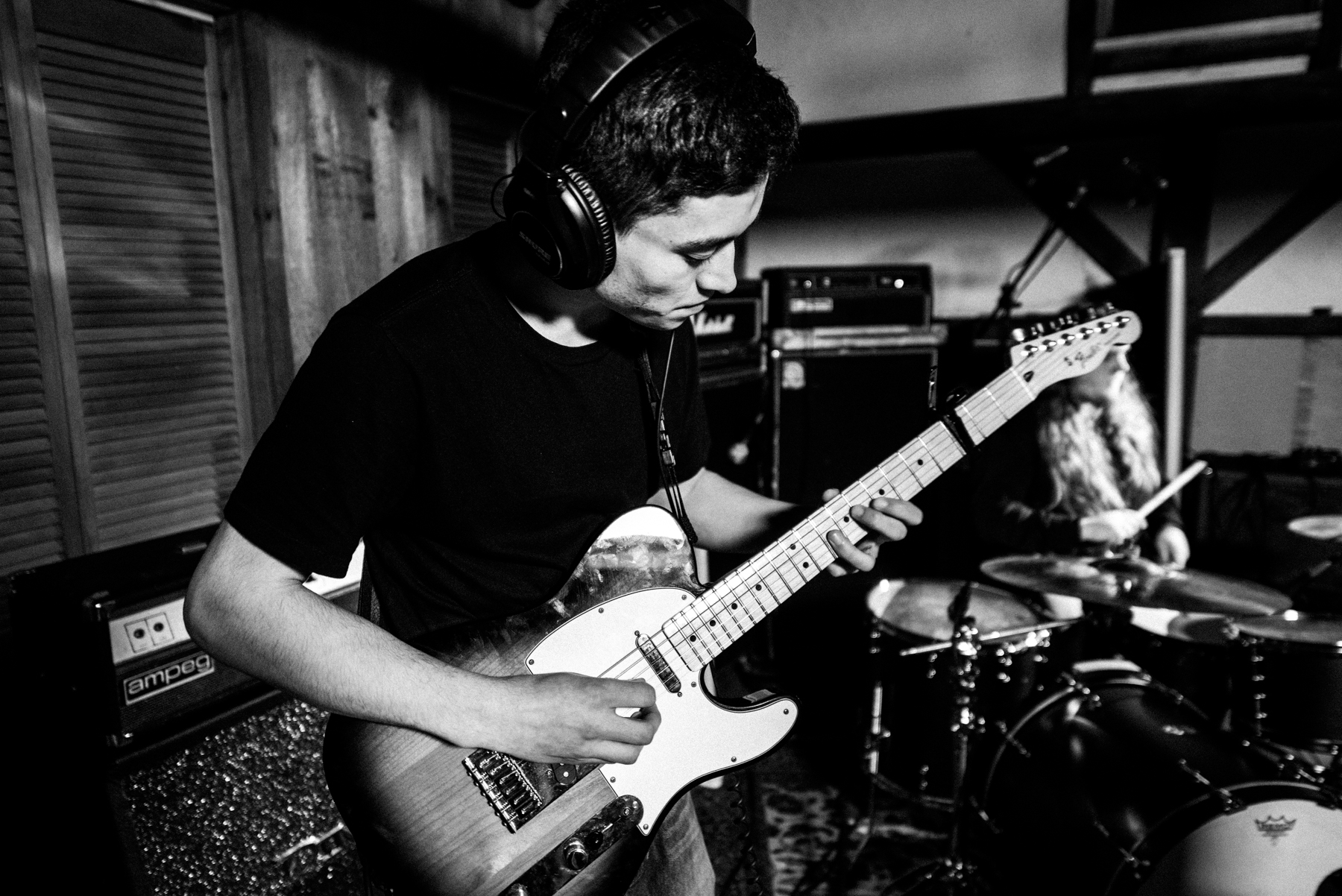 nick dinatale_perspective a lovely hand to hold_live session-23.jpg