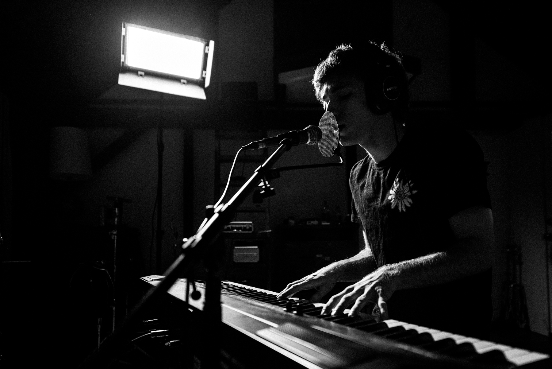 nick dinatale_perspective a lovely hand to hold_live session-24.jpg