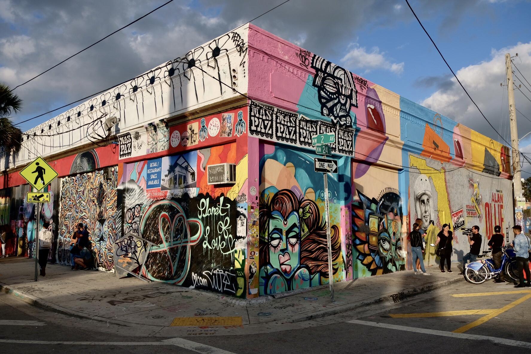 NW 2 AV / NW 24 ST Miami