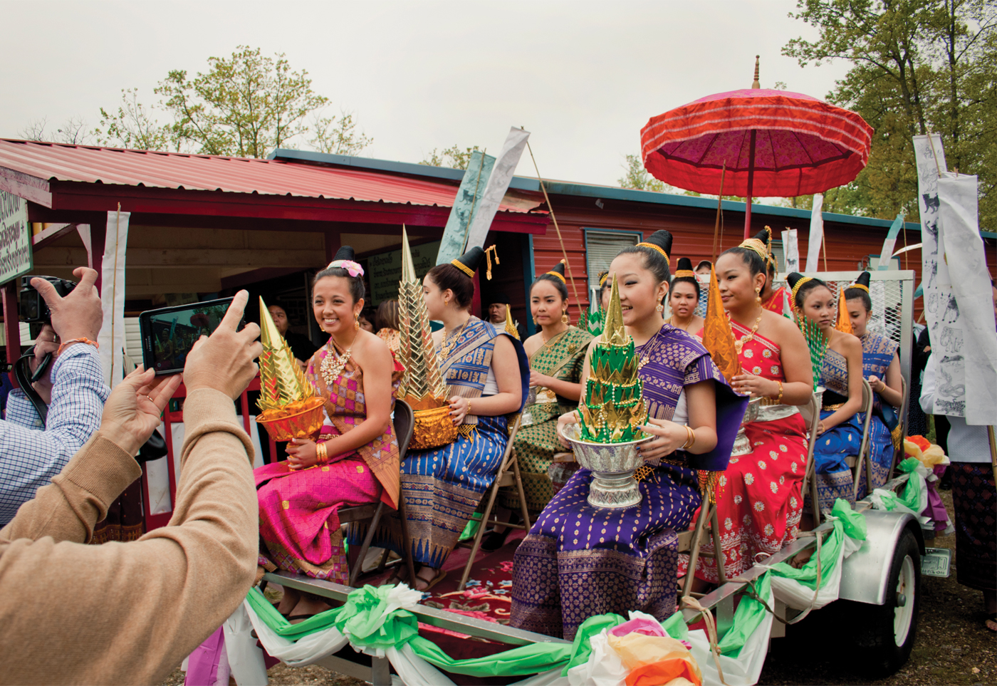 7-New-Years-Princesses-on-Parade-by-Katy-Clune.jpg