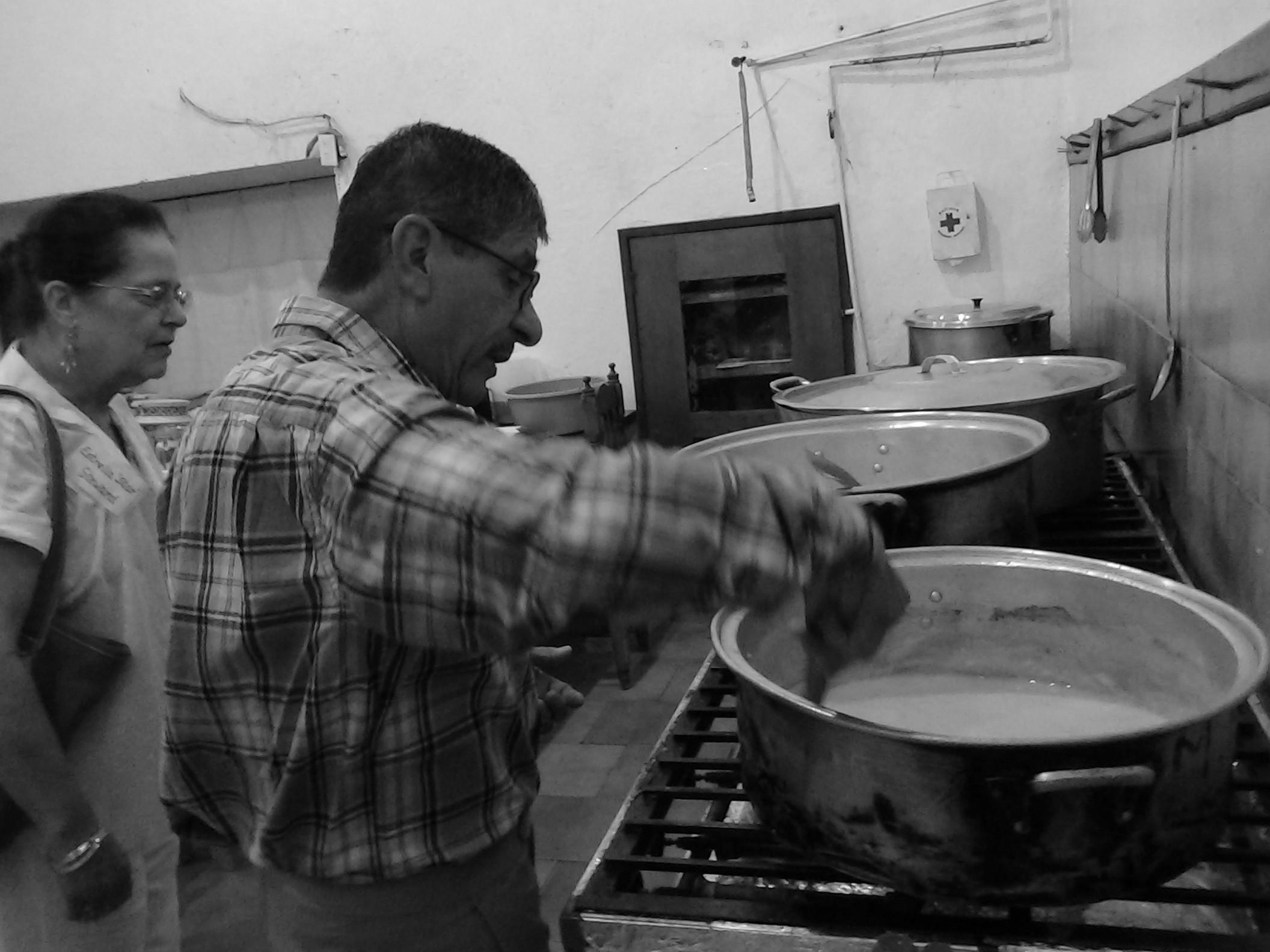 mission team8 in the kitchen_ 6_26.jpg