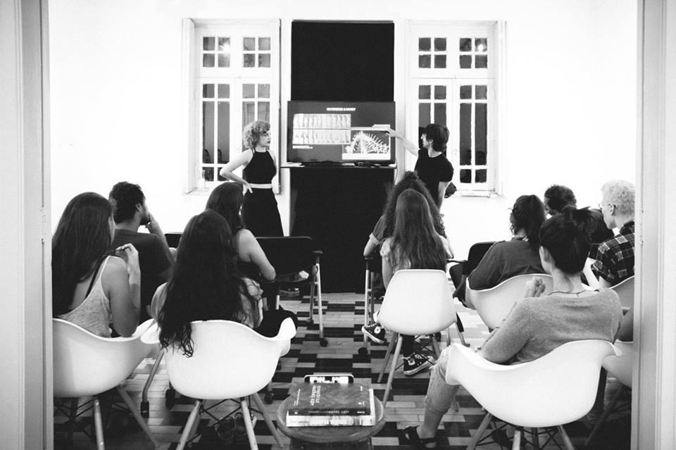 """Palestra """"Linguagem: Entre a Fotografia e o Cinema"""", c/ Larissa Mello e Victor Naine   22/março"""