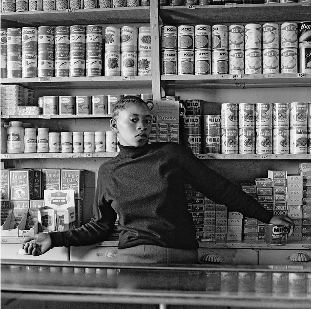 David Goldblatt, Vendedora Soweto, 1972