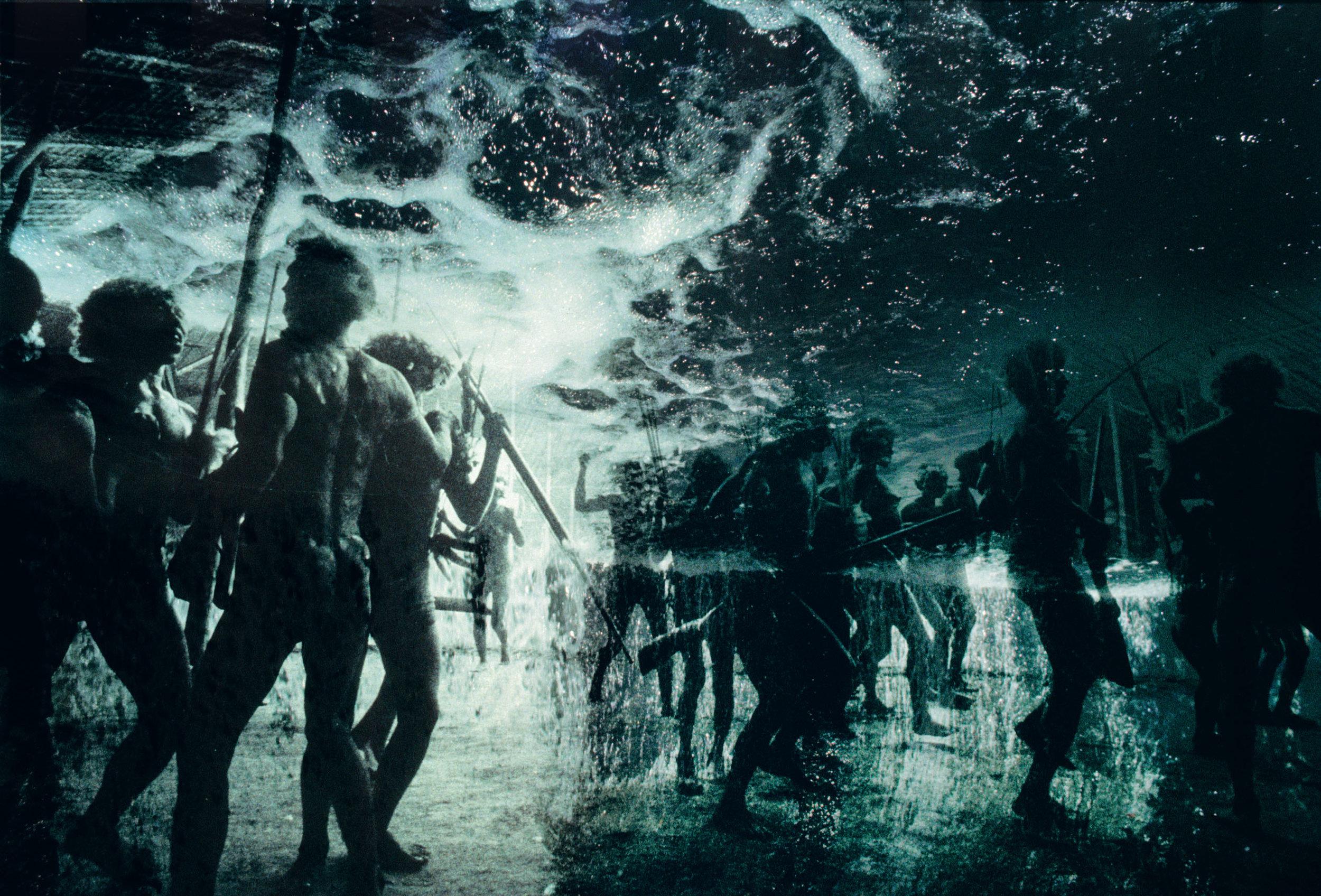 Claudia Andujar -Reprodução - Cortesia Galeria Vermelho | Desabamento do céu / O fim do mundo - da série Sonhos Yanomami, 1976