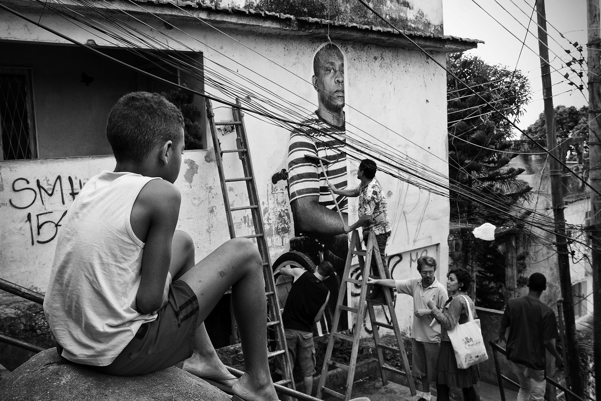 Ação global Inside Out Project, Providência, 2011 • Crédito: Luiz Baltar